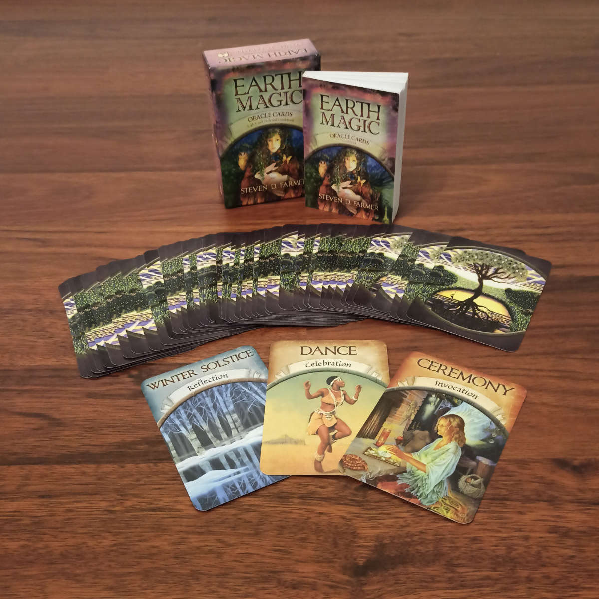 Oracle Cards: Earth Magic - Example cards on the floor