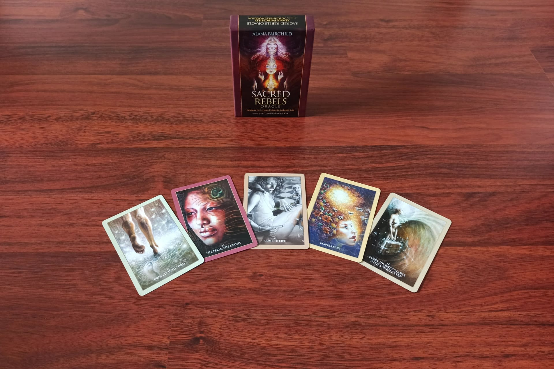 Oracle Cards: Sacred Rebels - Example cards on the floor